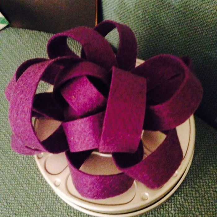 Russell, Wendy - Fabulous Fabric Projects - Felt Gift Bow_700x700